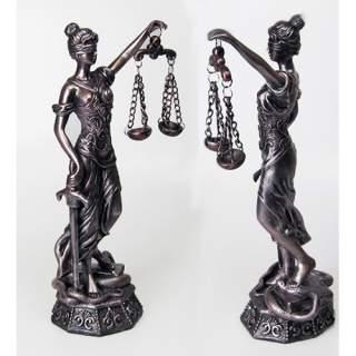 Oikeuden jumalatar 28 cm